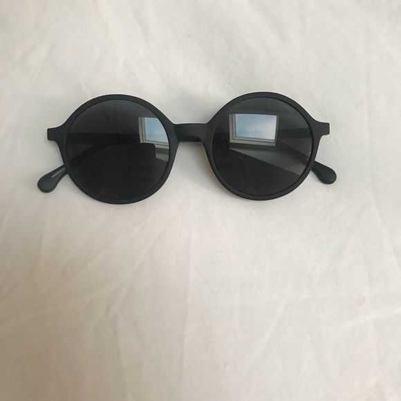 bd1ae0cfb819 Komono Madison Metal Black sunglasses